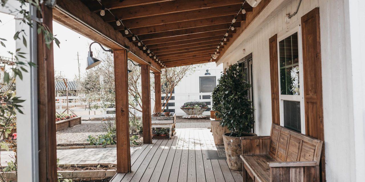 Sioo:x giver dig en lys grå terrasse og beskytter i op til 12år